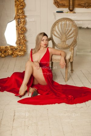 Oline escorts in Gatesville & happy ending massage